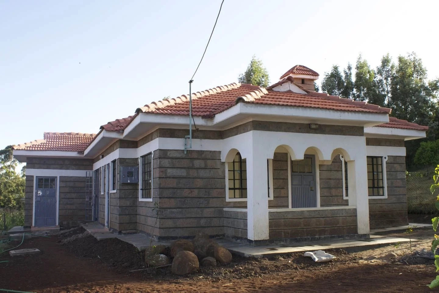 7 cool small house designs in kenya for Modern house plans kenya